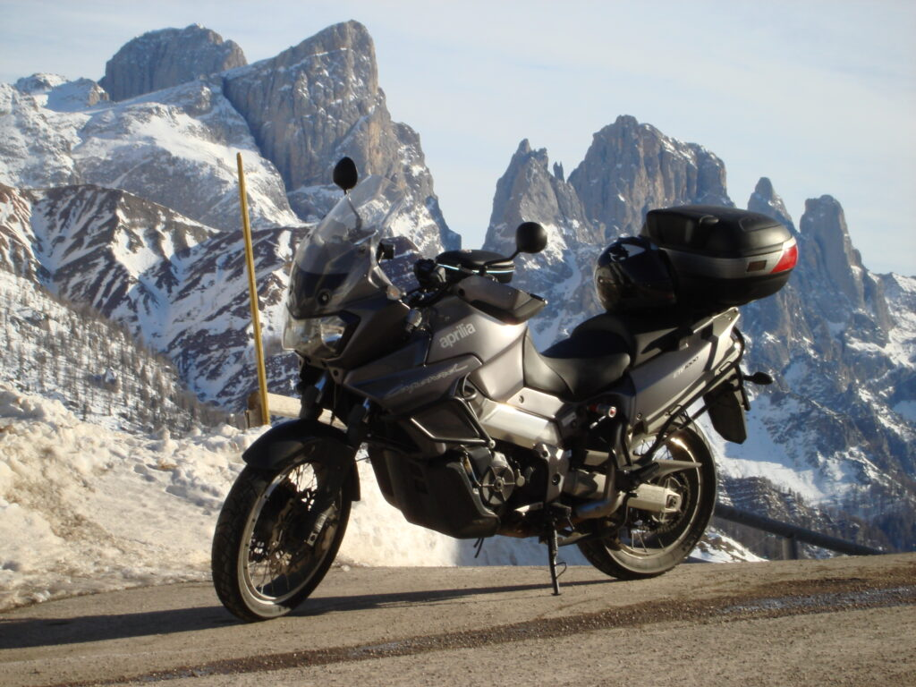 Туристический мотоцикл Aprilia ETV 1000 Caponord