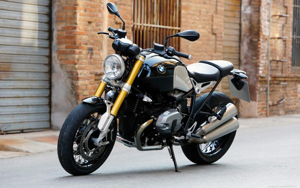 Дорожный мотоцикл