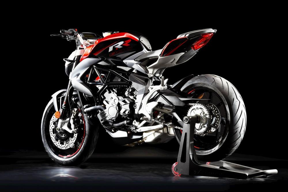 Мотоцикл MV Agusta Brutale 800 Вид слева