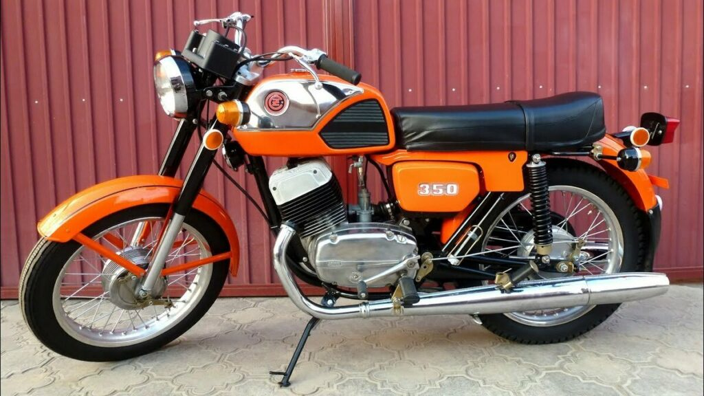 Мотоцикл ЧЗ-350 модели 472